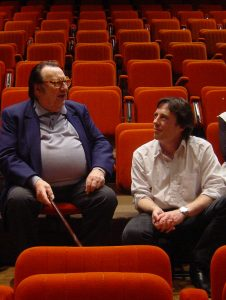 L'Artiste Raymond Devos et metteur en scène Philippe Castaing en répétition.